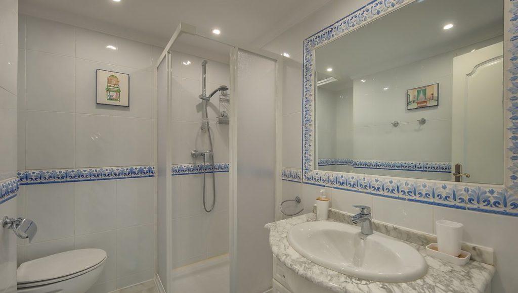 11C-Bathroom-1-2-bedroom-2-bath-apartment-for-rent-in-Puerto-Banus-with-sea-views-Marbella-Costa-del-Sol-Spain-1-1200x680-1