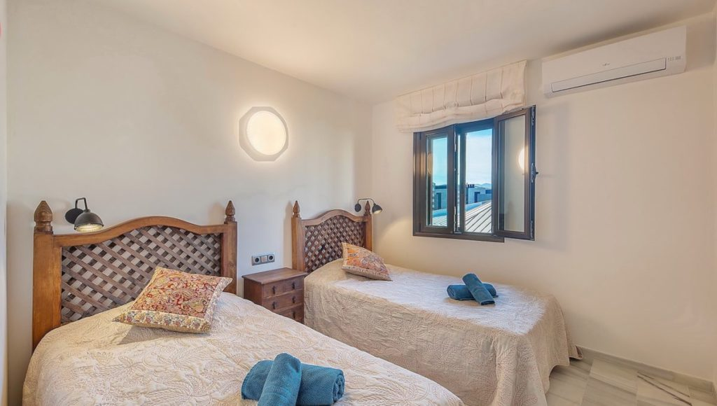 12C-Bedroom-2-2-bedroom-2-bath-apartment-for-rent-in-Puerto-Banus-with-sea-views-Marbella-Costa-del-Sol-Spain-1-1200x680-1