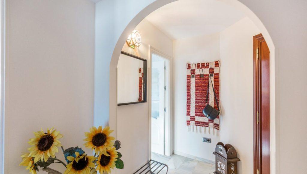 18B-Hallway-2-bedroom-2-bath-apartment-for-rent-in-Puerto-Banus-with-sea-views-Marbella-Costa-del-Sol-Spain-1-1200x680-1