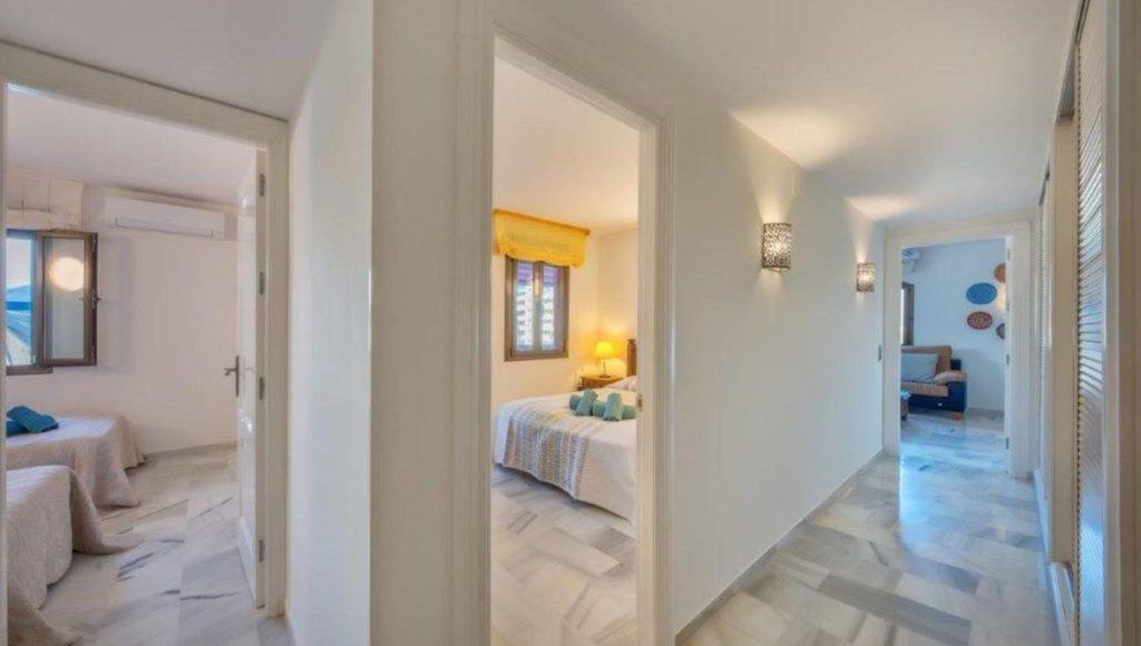 19B-Hallway-2-bedroom-2-bath-apartment-for-rent-in-Puerto-Banus-with-sea-views-Marbella-Costa-del-Sol-Spain-1-1200x680-1