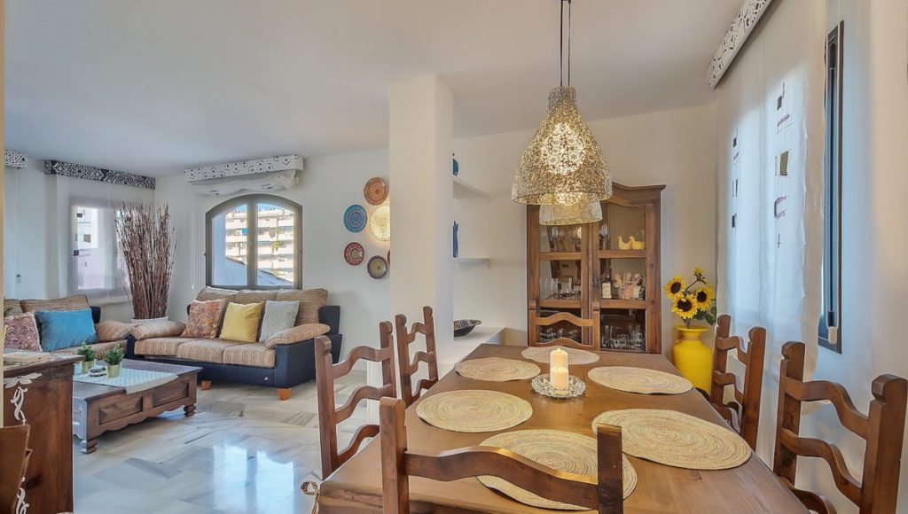 8C-living-room-with-dinning-area-2-bedroom-2-bath-apartment-for-rent-in-Puerto-Banus-with-sea-views-Marbella-Costa-del-Sol-Spain-1-1200x680-1