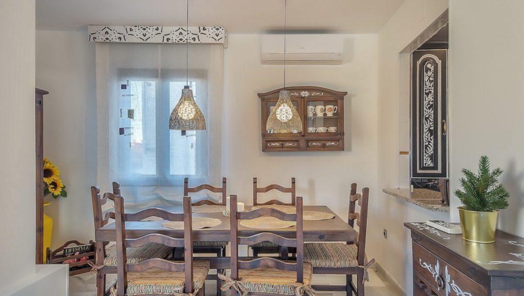 9C-Dining-area-2-bedroom-2-bath-apartment-for-rent-in-Puerto-Banus-with-sea-views-Marbella-Costa-del-Sol-Spain-1-1200x680-1